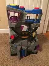 Fisher-Price Imaginext DC Super Friends Batcave with Accessories in Moody AFB, Georgia