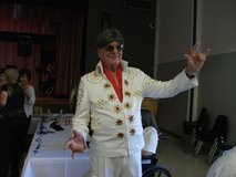 Elvis Presley Suit for your tours to the Karaoke locations Come take a look Make a offer in Kingwood, Texas