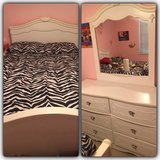 Full size bed and dresser in Baytown, Texas