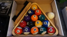 Set of pool balls with felt brush in Stuttgart, GE