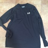 Mens Under Armor Long Sleeve size S in Naperville, Illinois