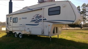 Cougar 5th Wheel Slide Out in Huntsville, Texas
