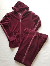 2pc Active wear size L in Morris, Illinois
