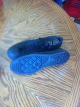 MENS BLACK CONVERSE SHOES SZ.11 in Pleasant View, Tennessee