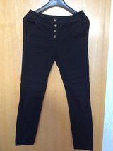 HOLLYS skinny pants M in Ramstein, Germany