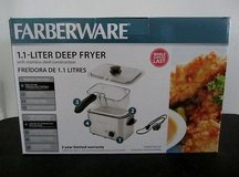(New In Box) Deep Fryer in Fort Bliss, Texas