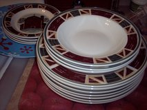 Prairie/Barn Dishes Set in Alamogordo, New Mexico