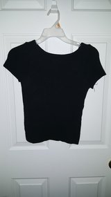 Black short sleeve shirt- very stretchy material in Fort Lewis, Washington