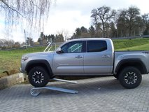 2017 TOYOTA TACOMA DB 4WD IN STOCK , IMMEDIATE DELIVERY in Spangdahlem, Germany