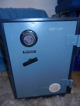Vintage Fire Proof Safe Money/Jewelry/Handguns Security Safe in Yucca Valley, California