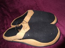 ISOTONER SENSATIONS SLIPPERS NIB in Cherry Point, North Carolina