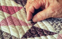 Quilts: handmade by the Amish in Little Rock, Arkansas