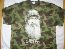 Men's Duck Dynasty Phil Robertson Camouflage Green Large Short Sleeve Shirt new! in Bolingbrook, Illinois
