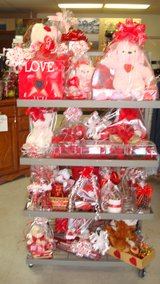 Selling as a Lot ( 72 Valentines's items & box full accessory) in Fort Bliss, Texas