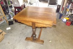 VINTAGE/ANTIQUE OAK DINING GAME TABLE in Baytown, Texas