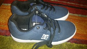REDUCED DC shoes size 5 in Alamogordo, New Mexico