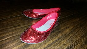 Red Sequin Flats, Sz3 in Travis AFB, California