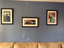 Pictures framed lady's dancing in St. Louis, Missouri