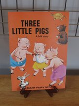 Three Lillte Pigs~A Giant Fairy Story in Sandwich, Illinois