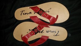 Red sandals size 8 in Fairfield, California