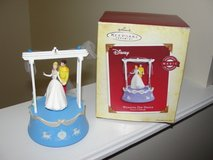 HALLMARK WEDDING DAY DANCE CINDERELLA ORNAMENT WINDS UP & PLAYS A SONG in Camp Lejeune, North Carolina