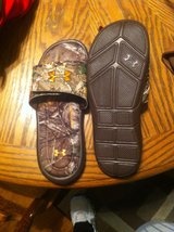 mens camo underarmour flip flops sz.8 &12 (New) in Pleasant View, Tennessee