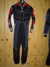 Used SCUBA Wetsuits in Grafenwoehr, GE