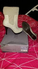 JLO boots size 10 in Bolingbrook, Illinois