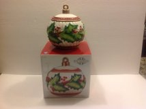FITZ AND FLOYD HOLLY BERRY ORNAMENT COOKIE JAR in Lockport, Illinois
