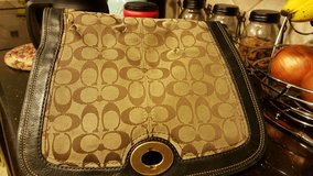 Coach Purse - Authentic - with matching wallet in The Woodlands, Texas
