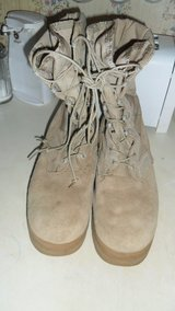 used size 9R wellco boots in Fort Campbell, Kentucky