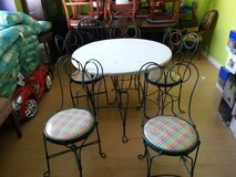 antique ice cream table and 5 chairs in Houston, Texas