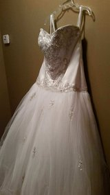 Wedding dress in Moody AFB, Georgia