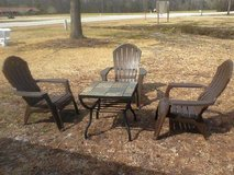 Lawn Patio Porch Deck 3 resin chairs & slate tile table SET in Camp Lejeune, North Carolina