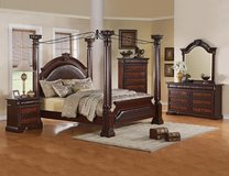 BEST CANOPY QUEEN BED SET in Riverside, California