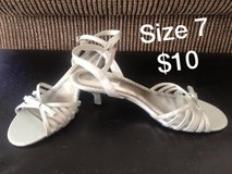 REDUCED!! Size 7 heels in Camp Lejeune, North Carolina