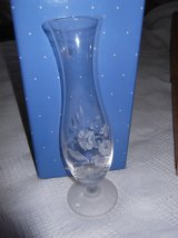 AVON CRYSTAL VASE   NIB in Cherry Point, North Carolina