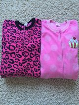 One Piece Fleece Pajamas-Girls Size 7/8 in Batavia, Illinois