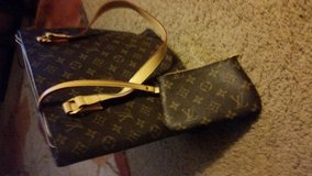 Purse, LOUIE V in Coldspring, Texas