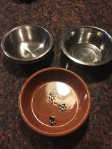 Asst small bowls in Lockport, Illinois