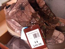 Men's hunting boots size 13 in Vacaville, California