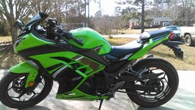 REDUCED 2014 KAWASAKI NINJA 300 SPECIAL EDITION in Camp Lejeune, North Carolina