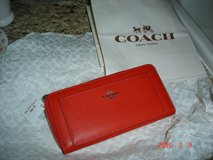 Authentic Coach Zip Around   Wallet -NWT in Houston, Texas
