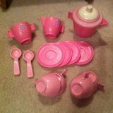 Tin and plastic tea sets w/play food in Houston, Texas