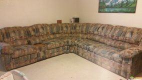 Sectional Couch w/Recliner & Pull Out Bed in Alamogordo, New Mexico