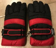 RED & BLACK THINSULATE GLOVES in Lakenheath, UK