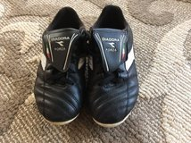 Diadora Soccer Cleats Size 2 in Spangdahlem, Germany