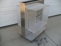 ***  Stainless Display  *** in 29 Palms, California