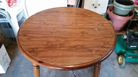 Solid wood table(with leaf) & 4 chairs in Ruidoso, New Mexico