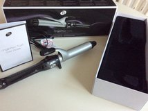 T3 curling iron 1.25 inch/ 3.2 cm in Fort Bragg, North Carolina